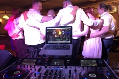 tanzende Gäste